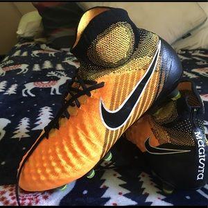 Nike maristas